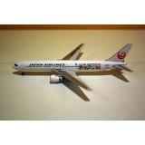 Japan Airlines Doreamon B767-300ER JA656J