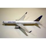 United Airlines B767-300 N675UA