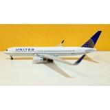 United Airlines B767-300ER N676UA