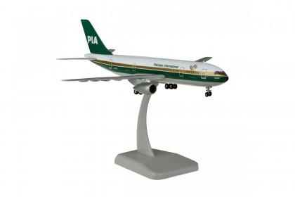 Pakistan International Airlines A300B4 AP-BAZ